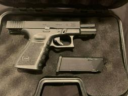 Airsoft Glock 19, Fully Operational with Mag, and accessorie